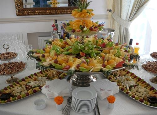Фото фуршетного стола на свадьбу 29